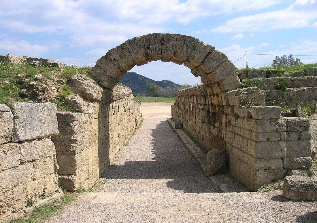 Арка древнего стадиона