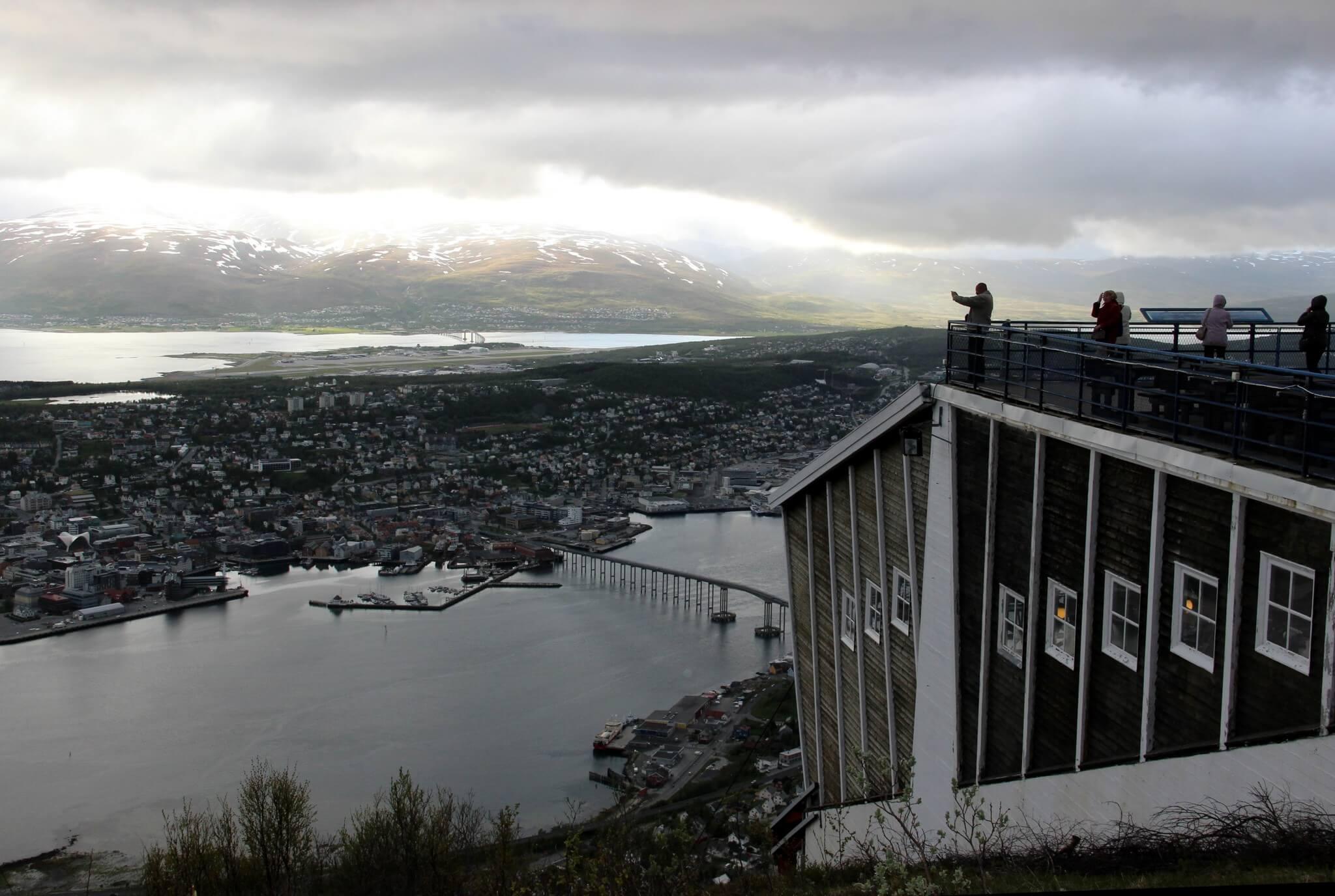 Вид с горы Стурстейнен