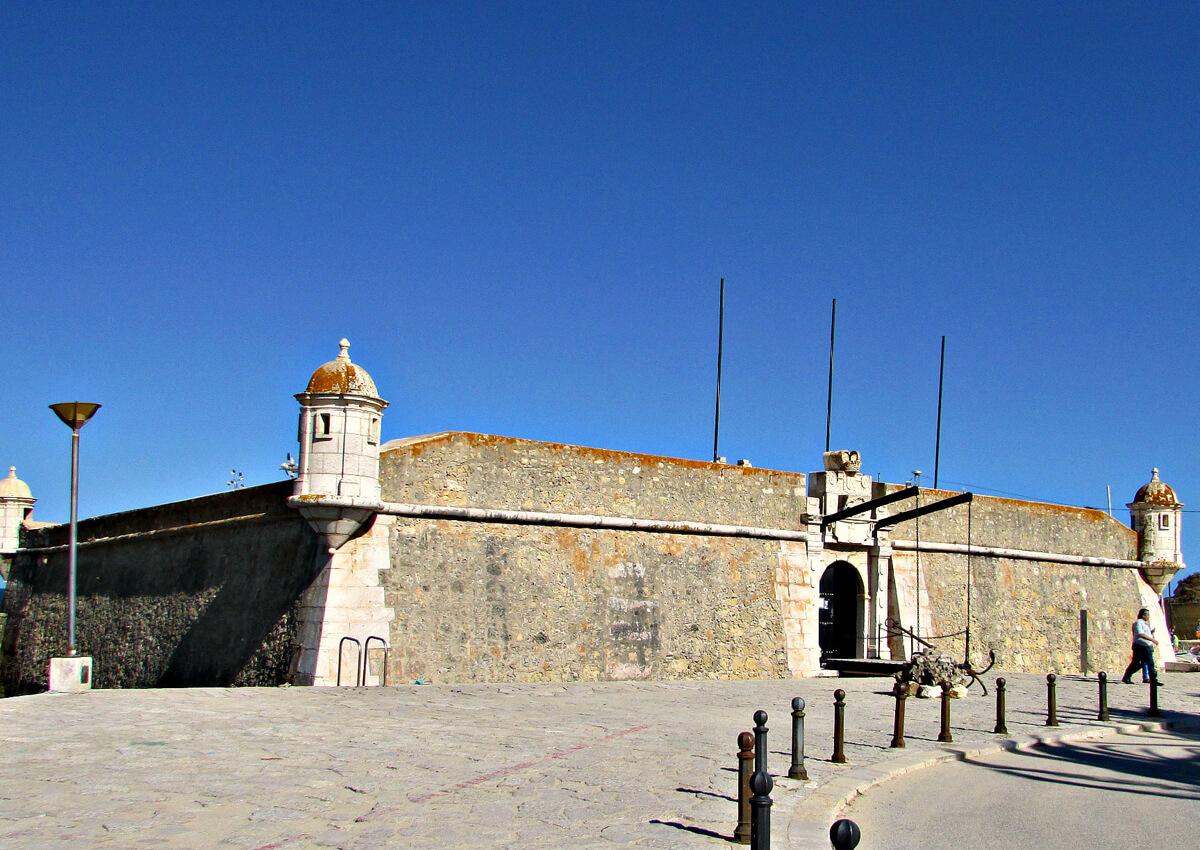 Форт Бандейра в Лагуше