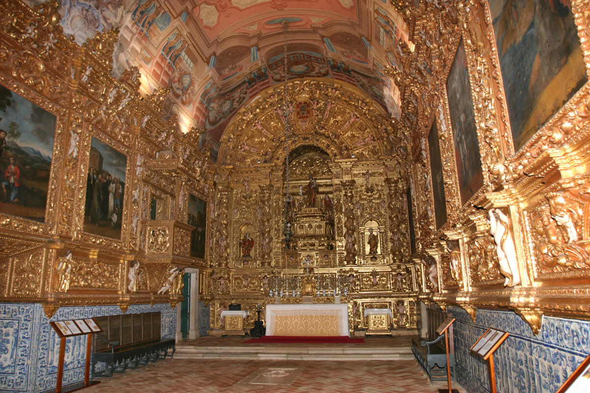 Церковь Святого Антония внутри