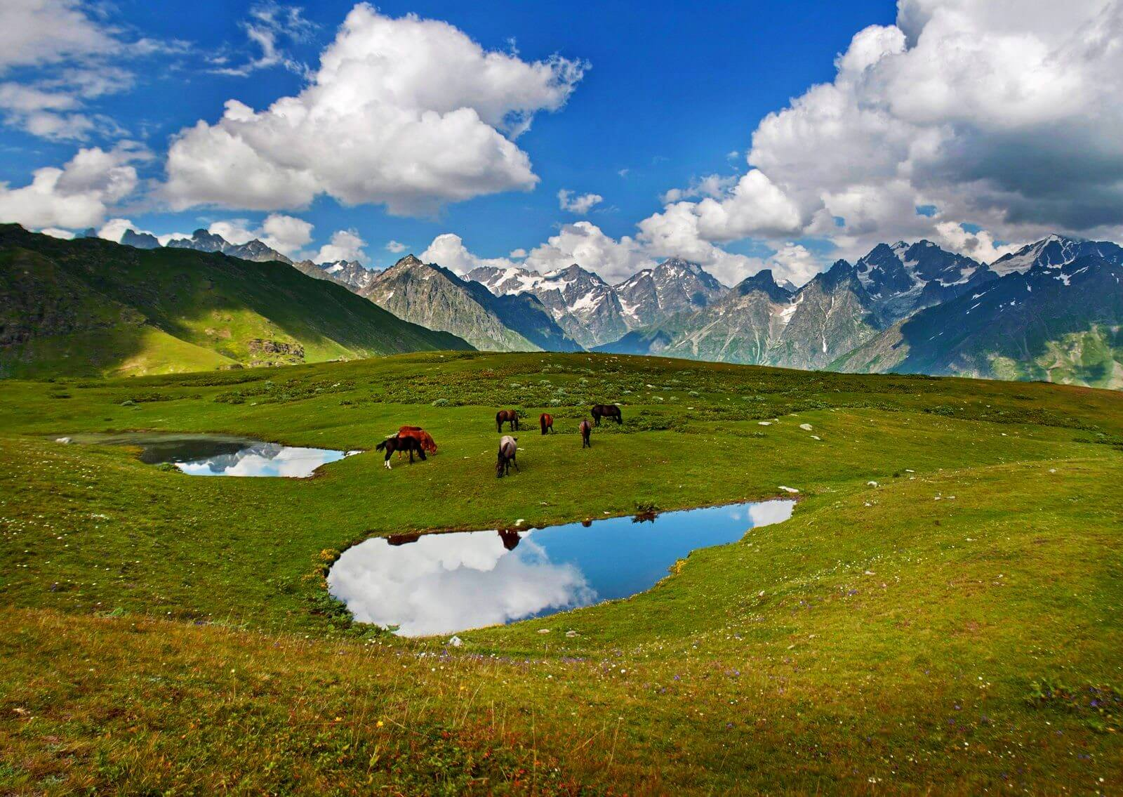 Фото озер Корульди