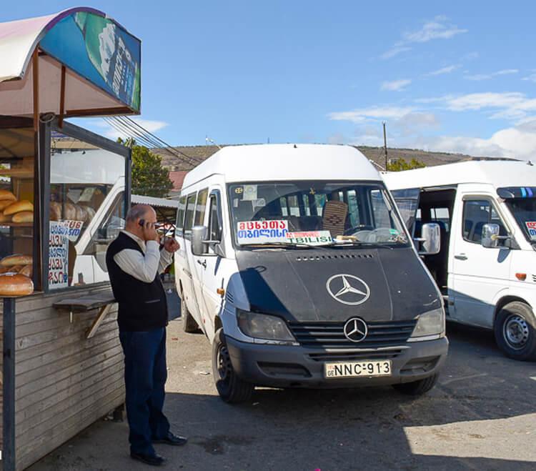 Автобус до Местии