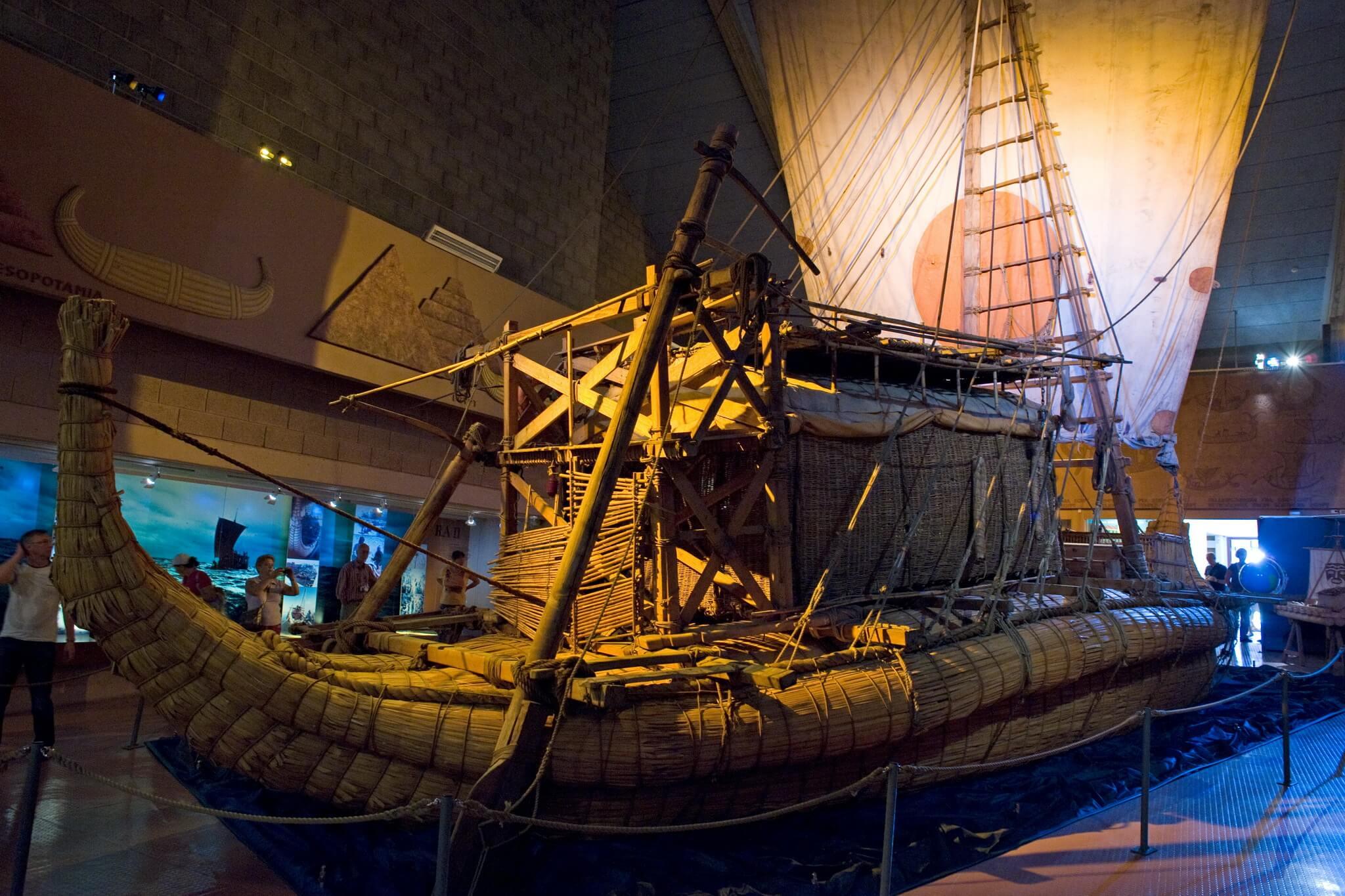 Лодка Ра
