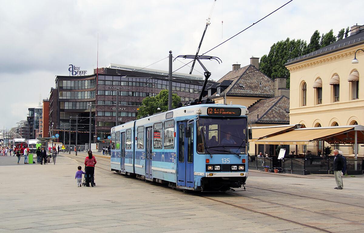 Трамвай №12 в Осло