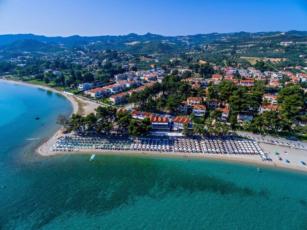 Пефкохори, Греция