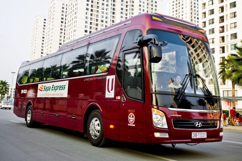 Автобус перевозчика Sapa Express