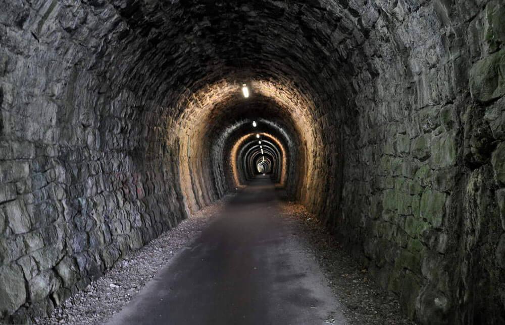 Туннель оставшийся от узкоколейки