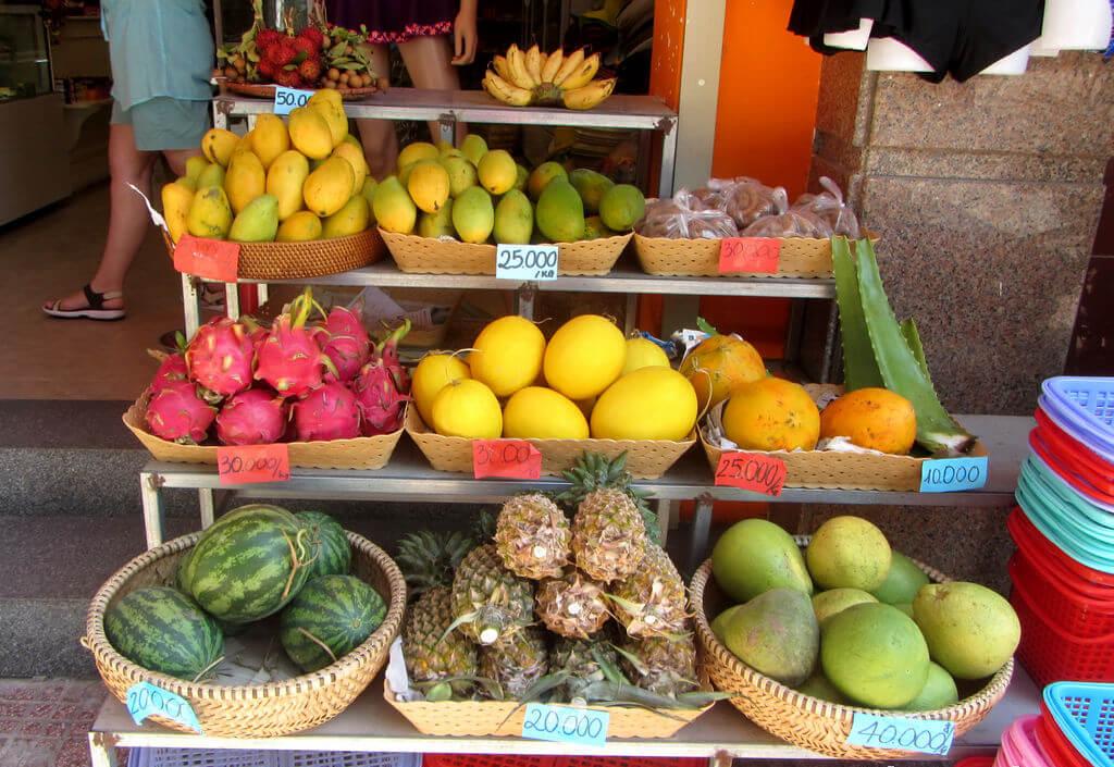 Фрукты на рынке Ксом Мой