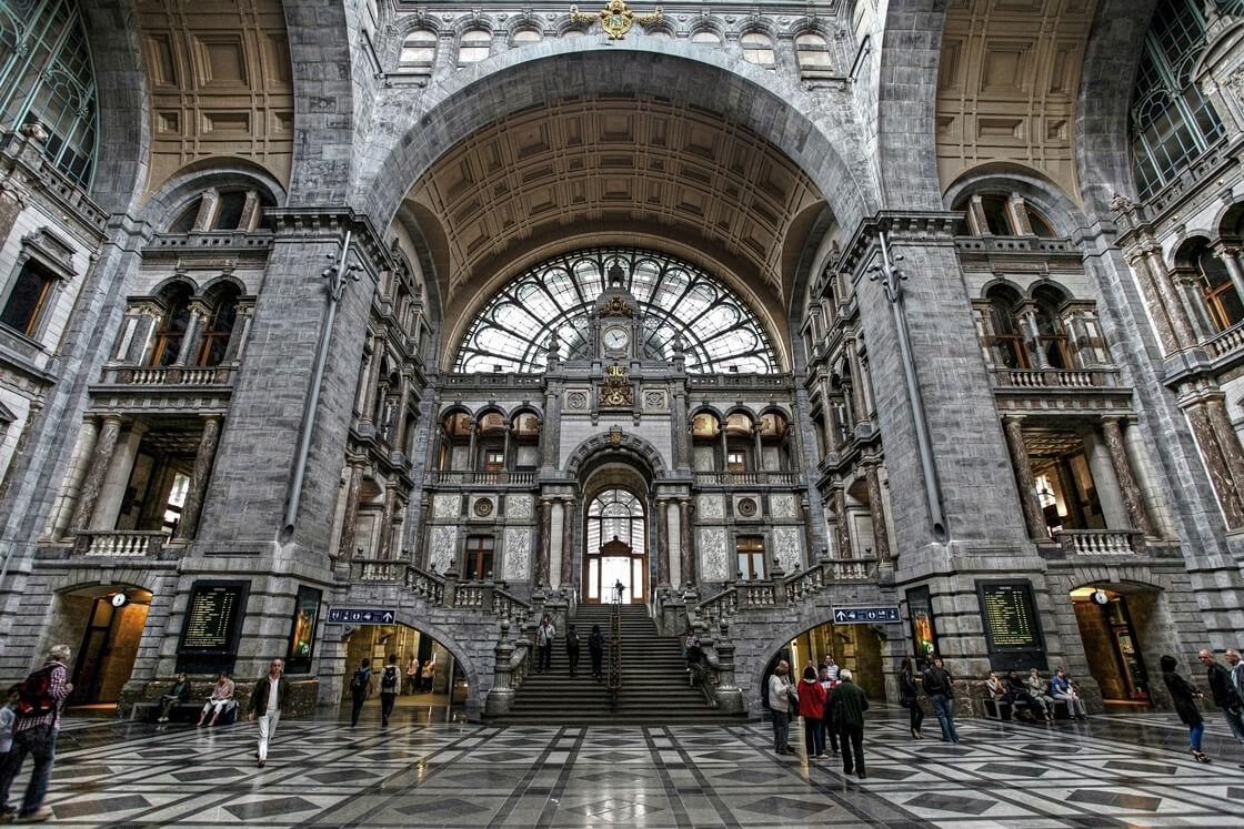 Вокзал Антверпена - главный зал