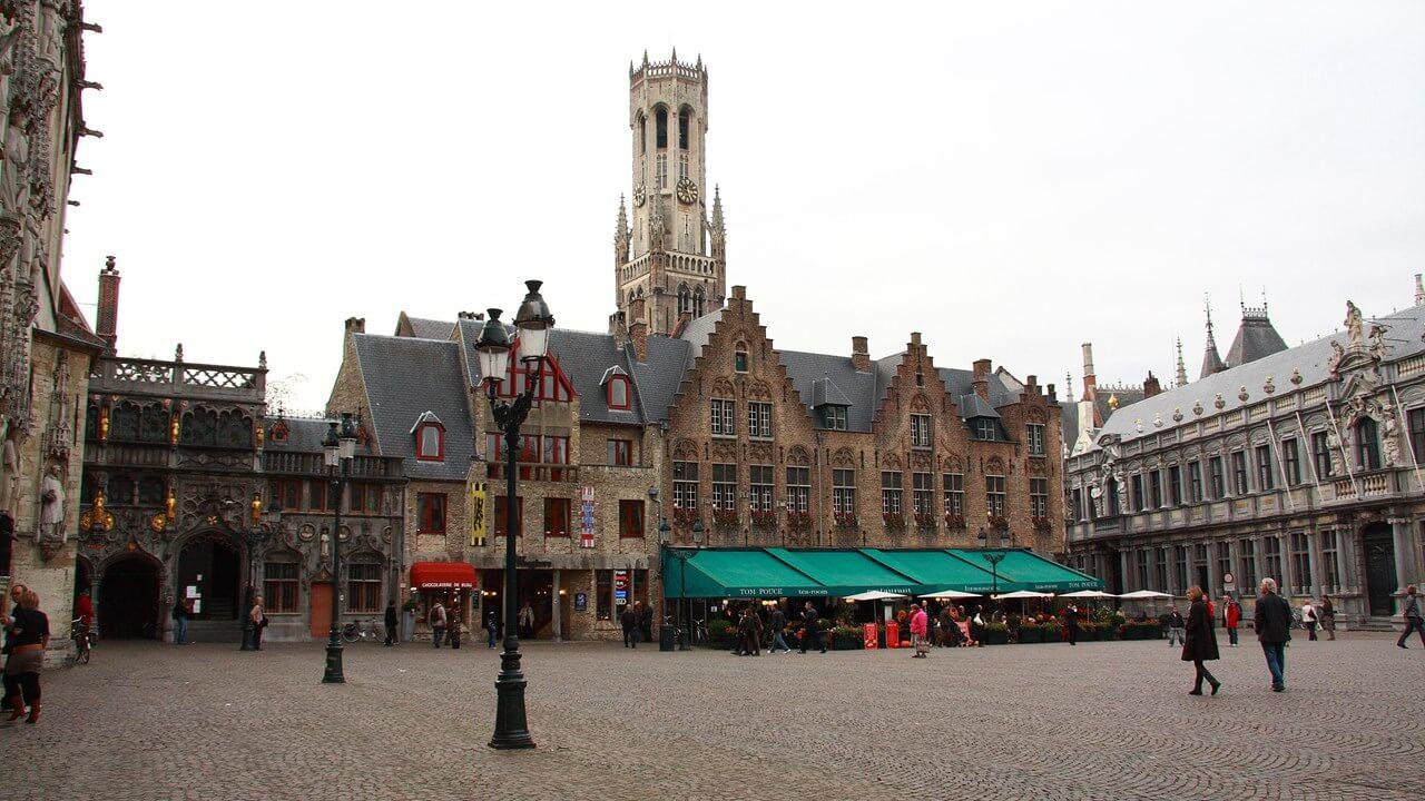 Площадь Бург в Брюгге