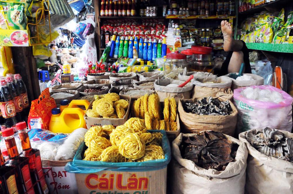 Продукты питания на рынке Чо Дам