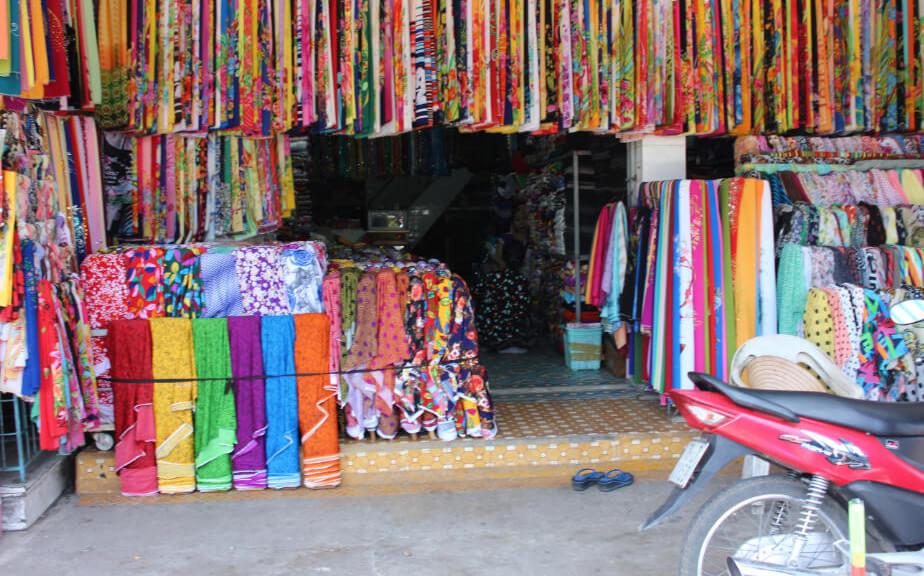 Ткани на рынке Чо Дам