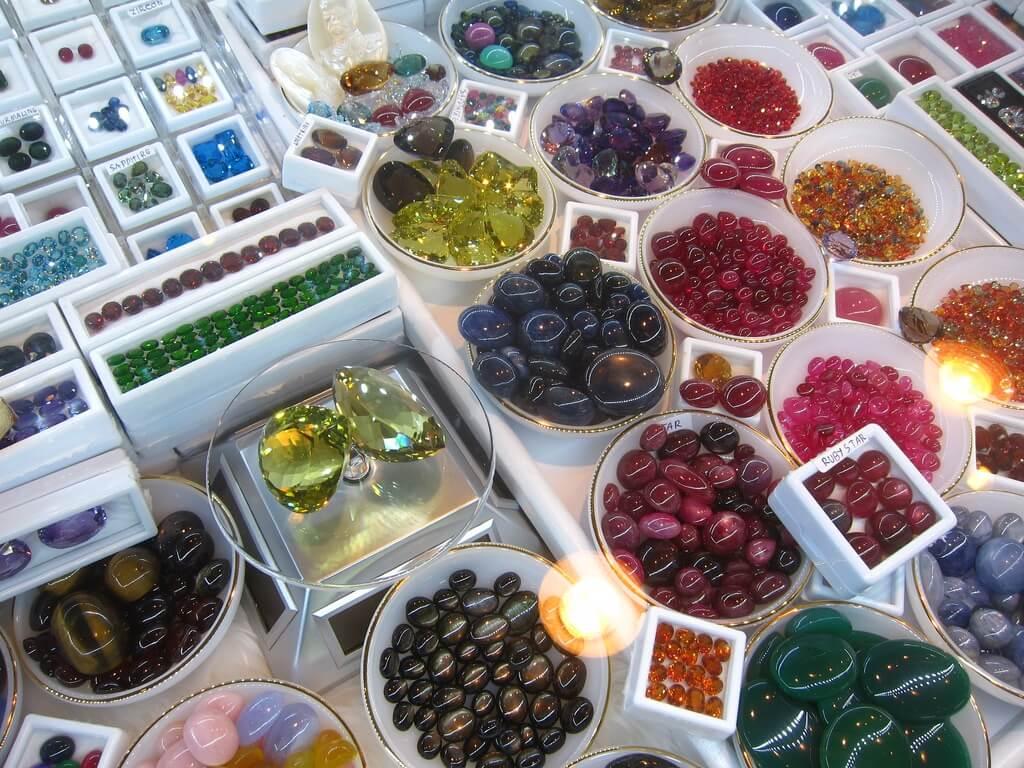 Драгоценные камни на Шри-Ланке