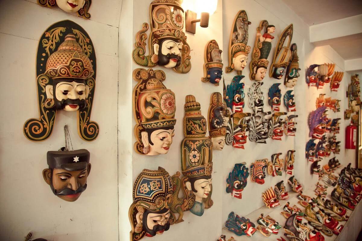 Деревянные маски