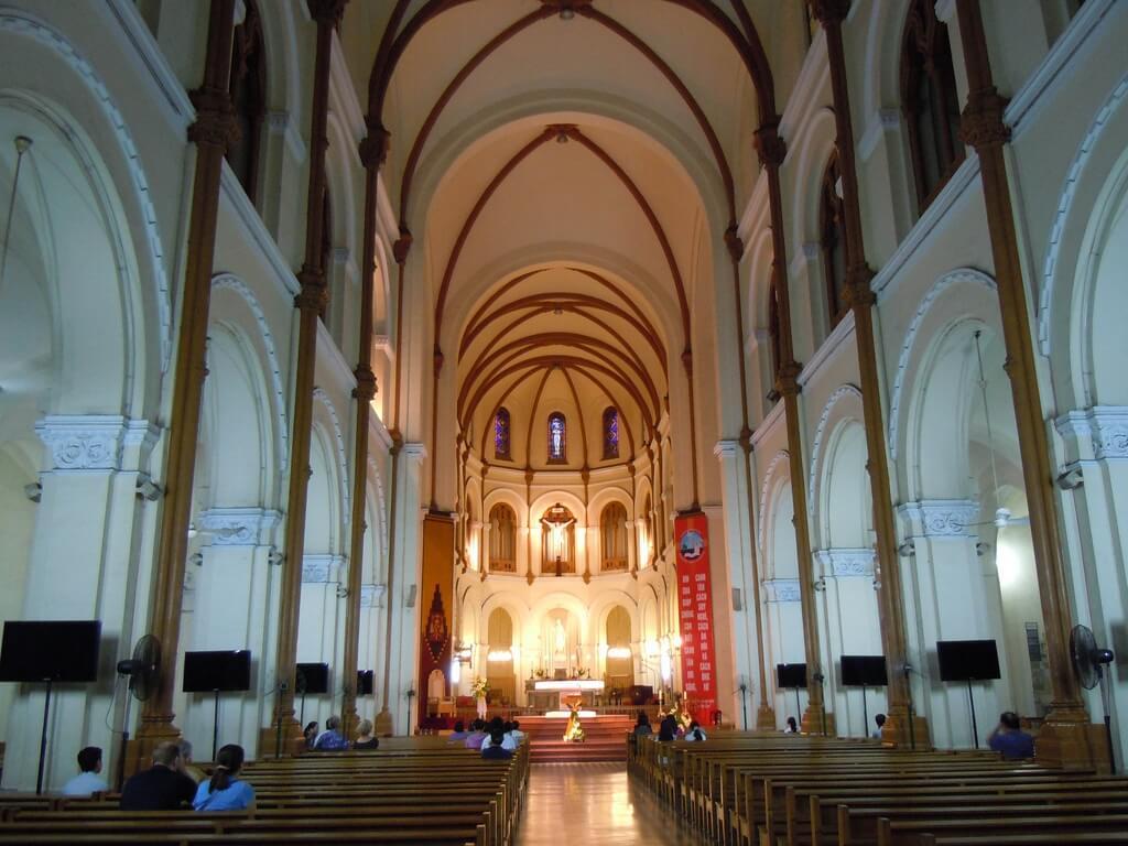 В соборе Нотр-Дам в Хошимине