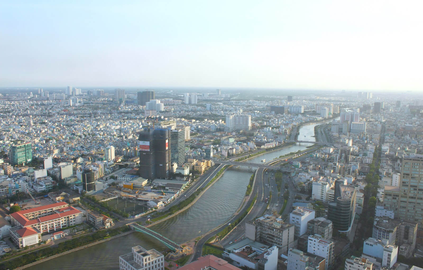 Вид на город со смотровой площадки Bitexco