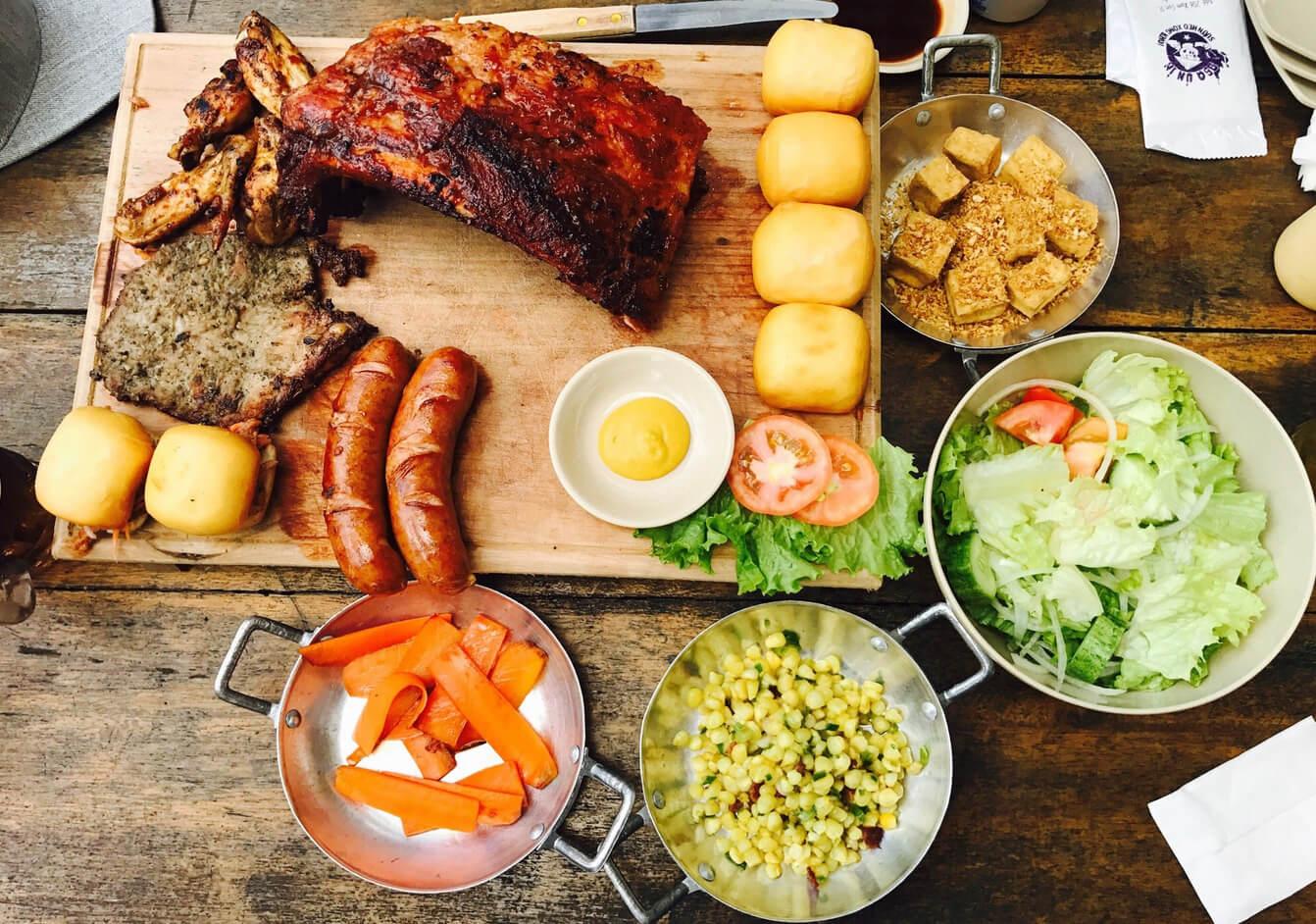 Сытный обед в BBQ Un In