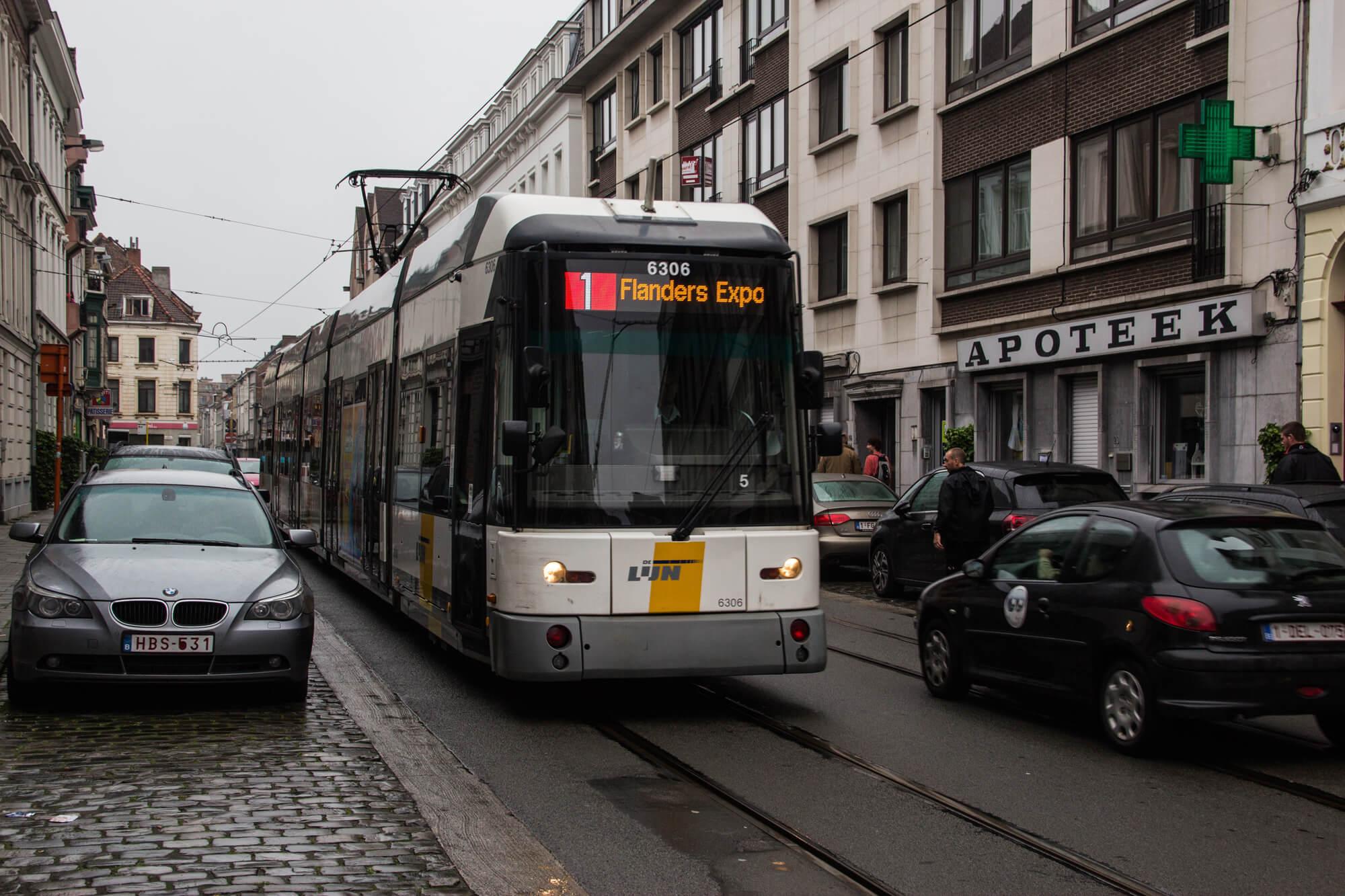 Такие трамваи ездят в Генте