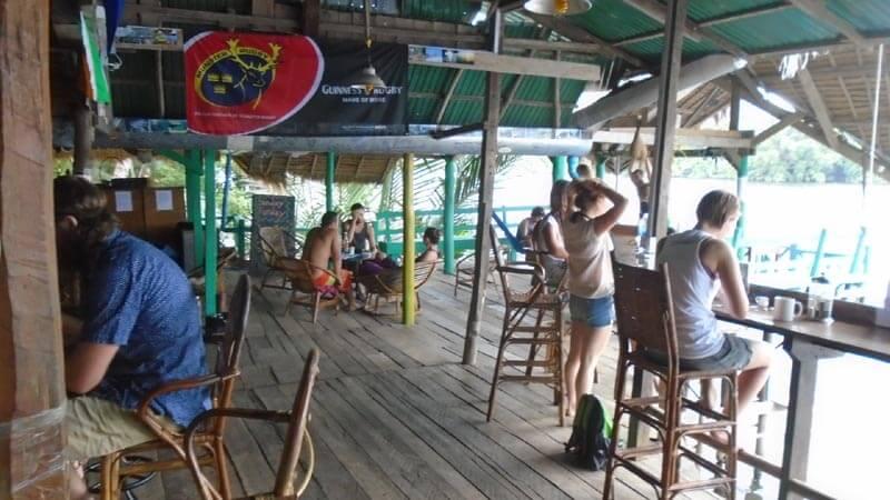 В баре Аквапарка Аркадия
