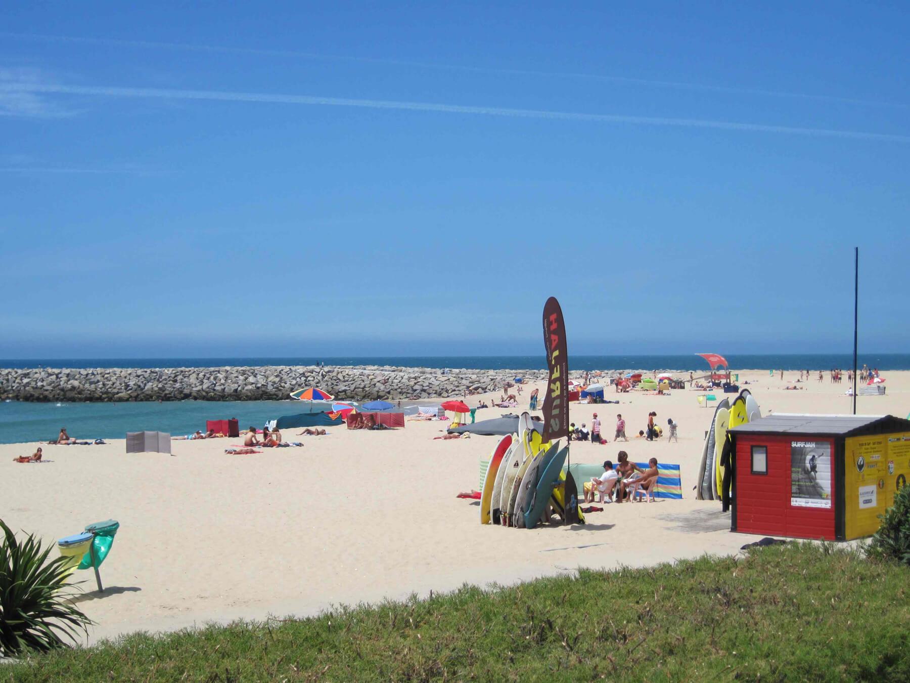 Пляж Эшпинью в Порту