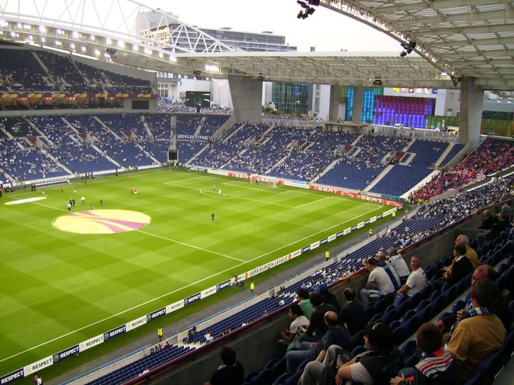 Футбольный матч на стадионе ФК «Порту»