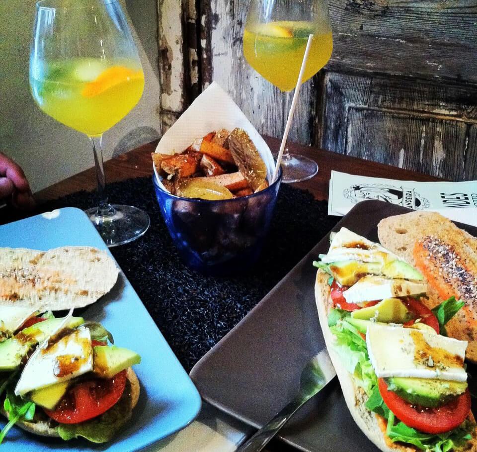 Сэндвичи в Sandeira