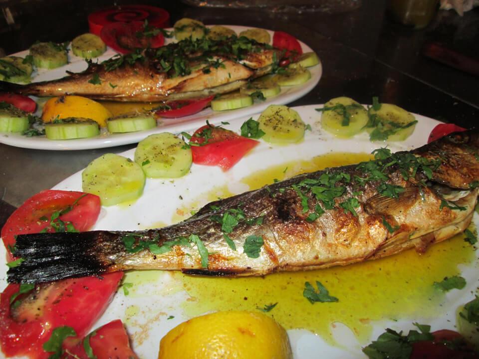 Запеченная рыба в ресторане «El Capitan» Порто Куфо