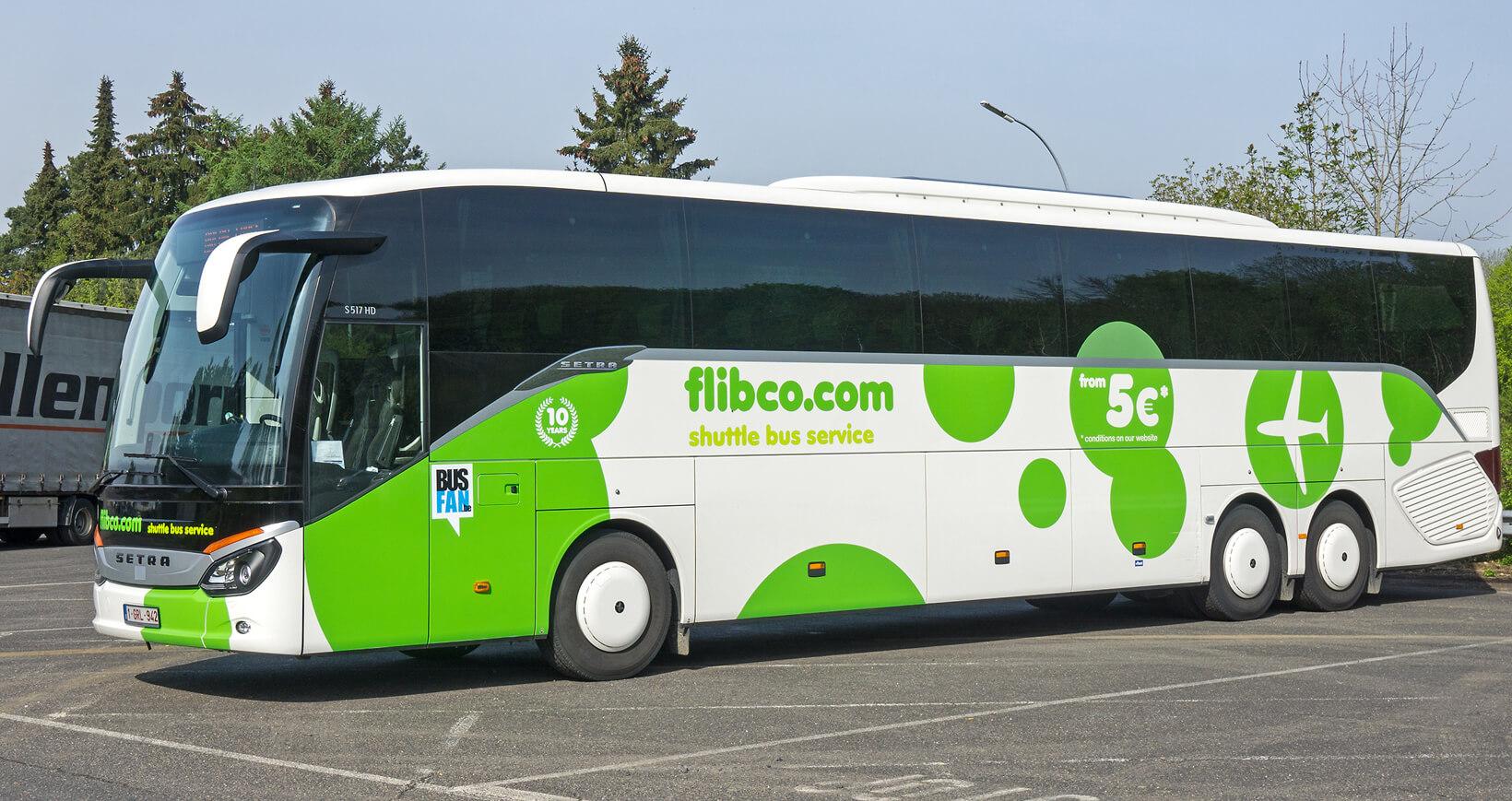 Автобус компании Flibco