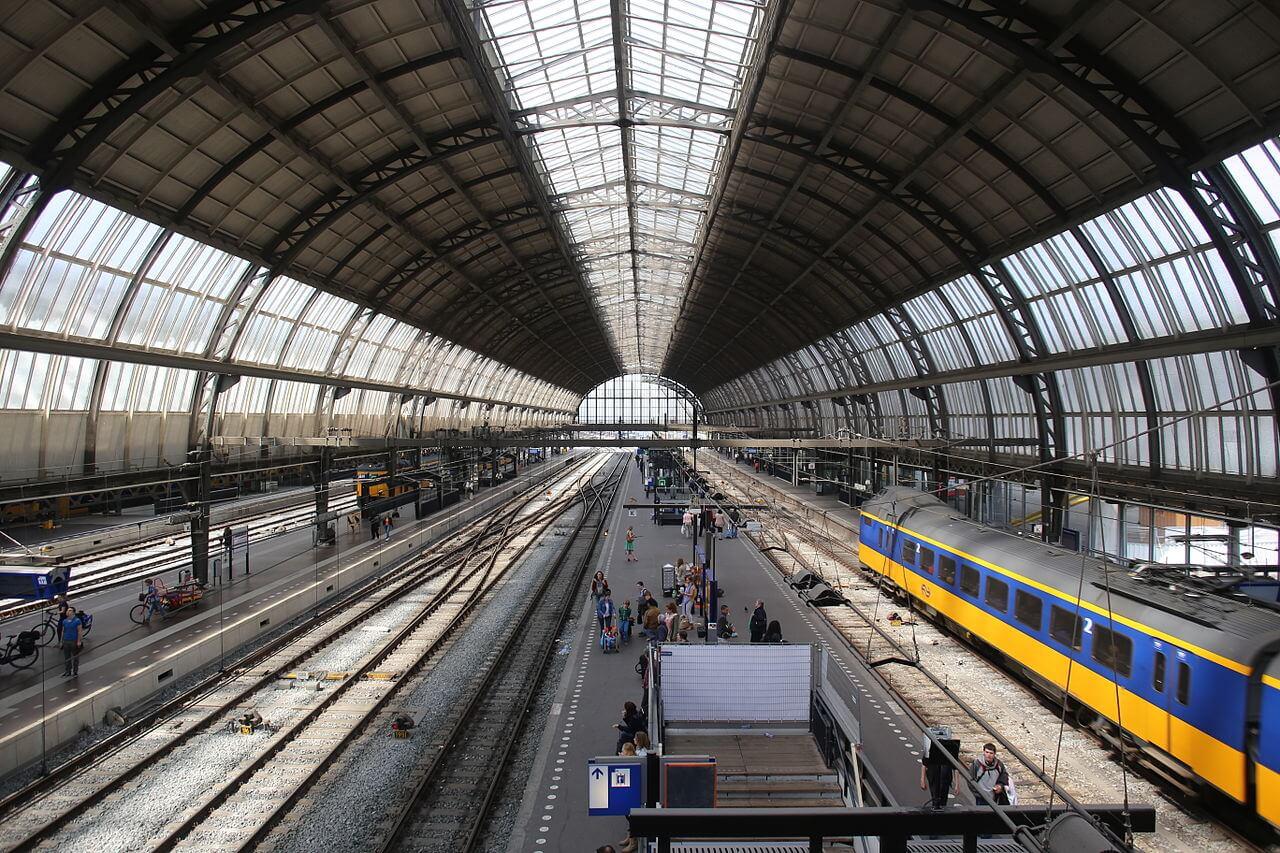 На ЖД вокзале Амстердама