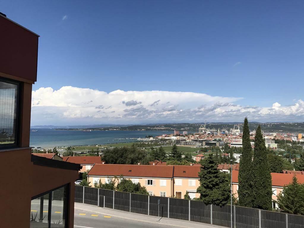 Вид из окна Ina Jure Apartments