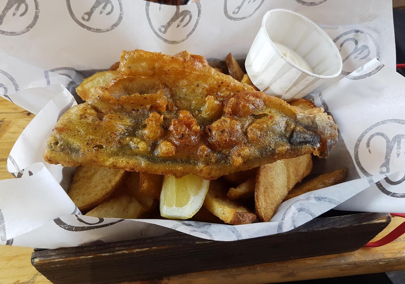 Рыба в кляре с запеченной картошкой