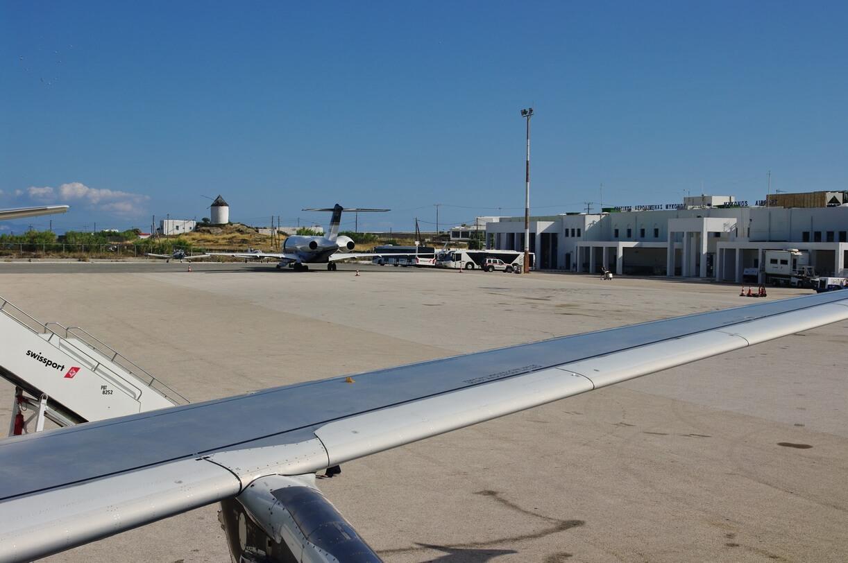 Аэропорт в Миконос