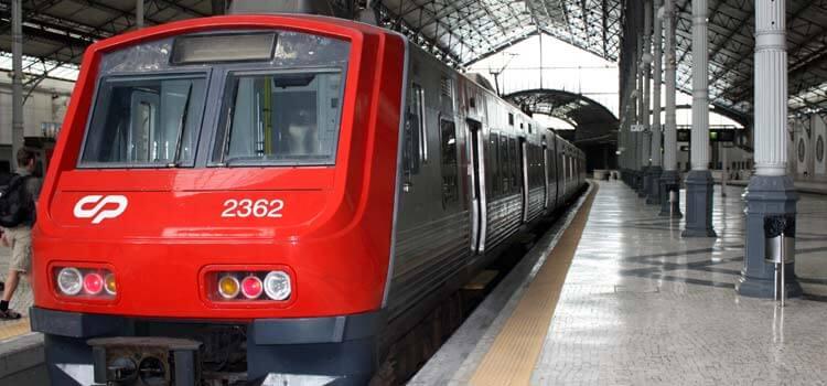 Поезд из Лиссабона до деревни Валаду-де-Фрадеш