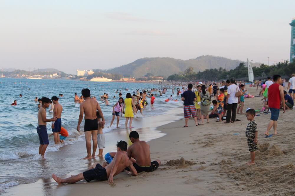 На городском пляже Чан Фу