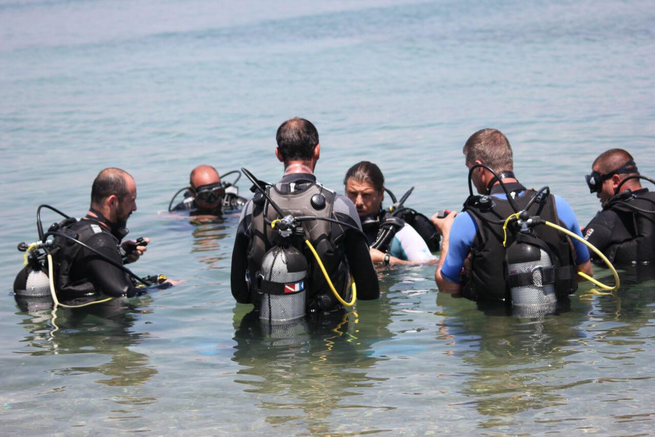 Инструктаж и обучение дайвингу в Blue Diving Center