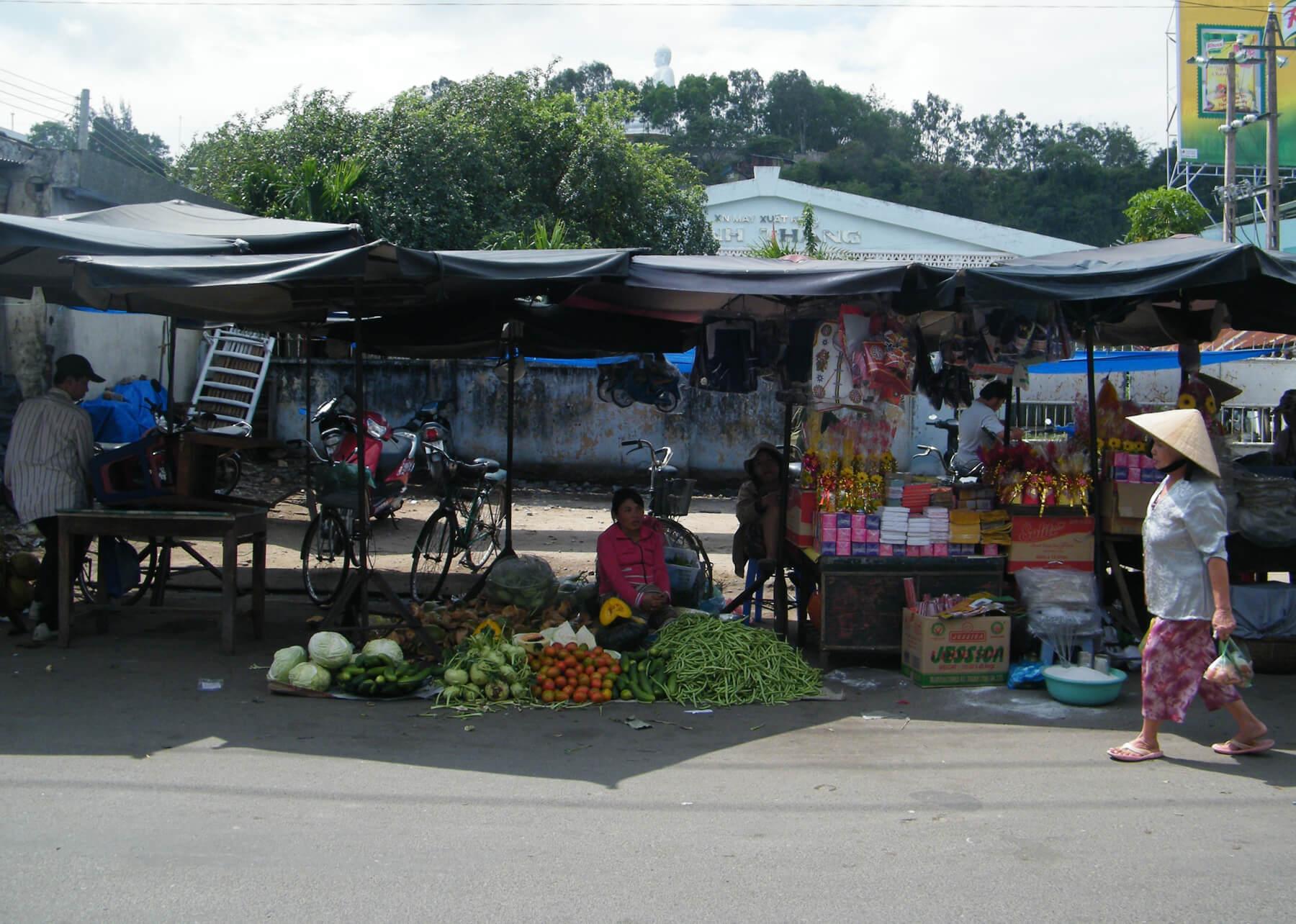 На рынке Chợ Phương Sài