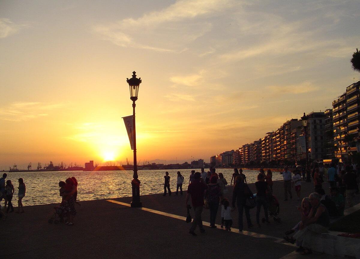 Вечерняя набережная в Салониках