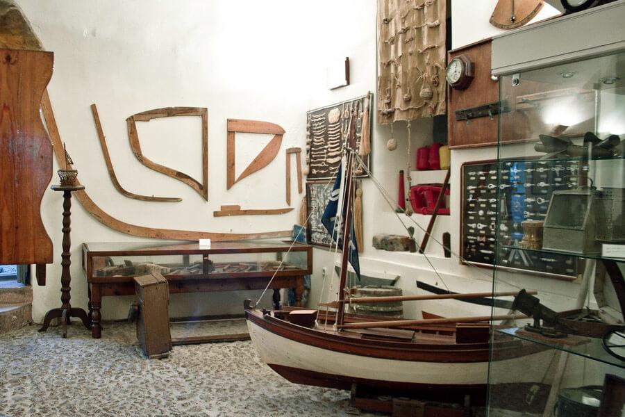 В Морском музее в городе Ия