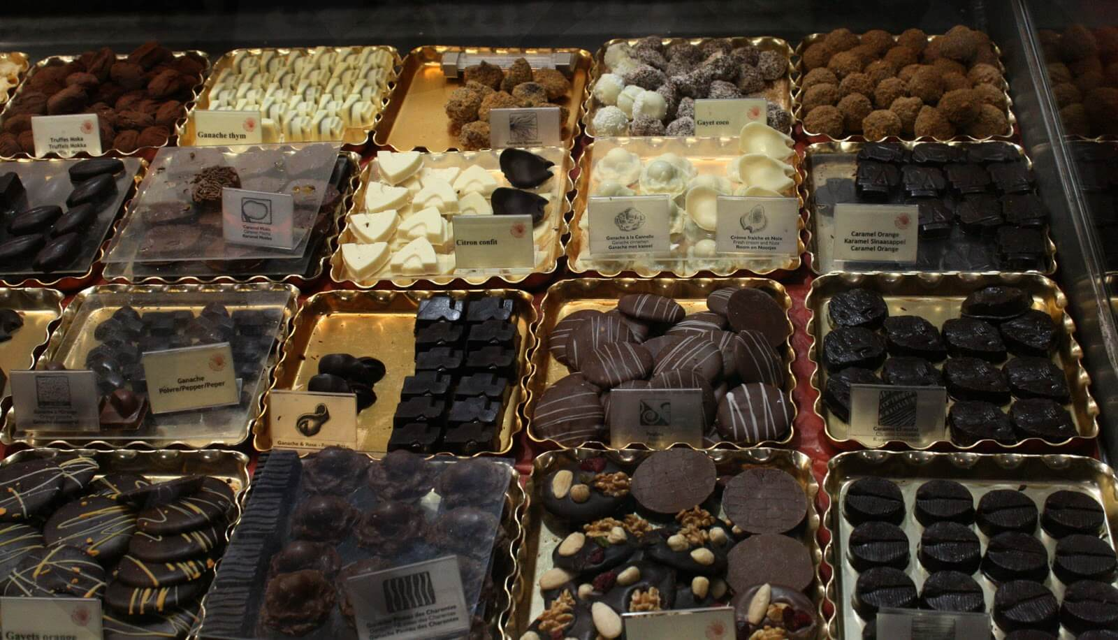 Витрина мастерской Planete Chocolat