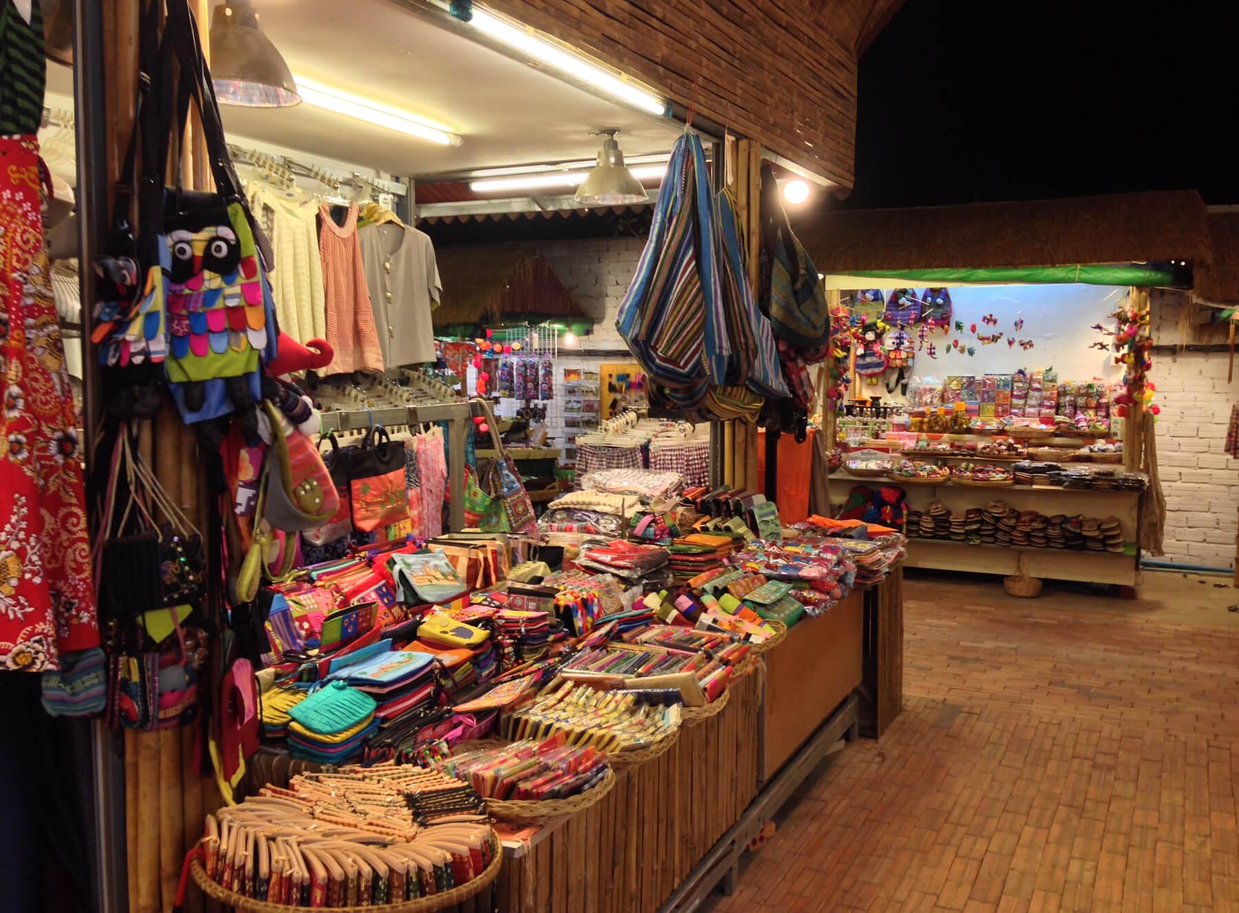 Ночной рынок Ангкор