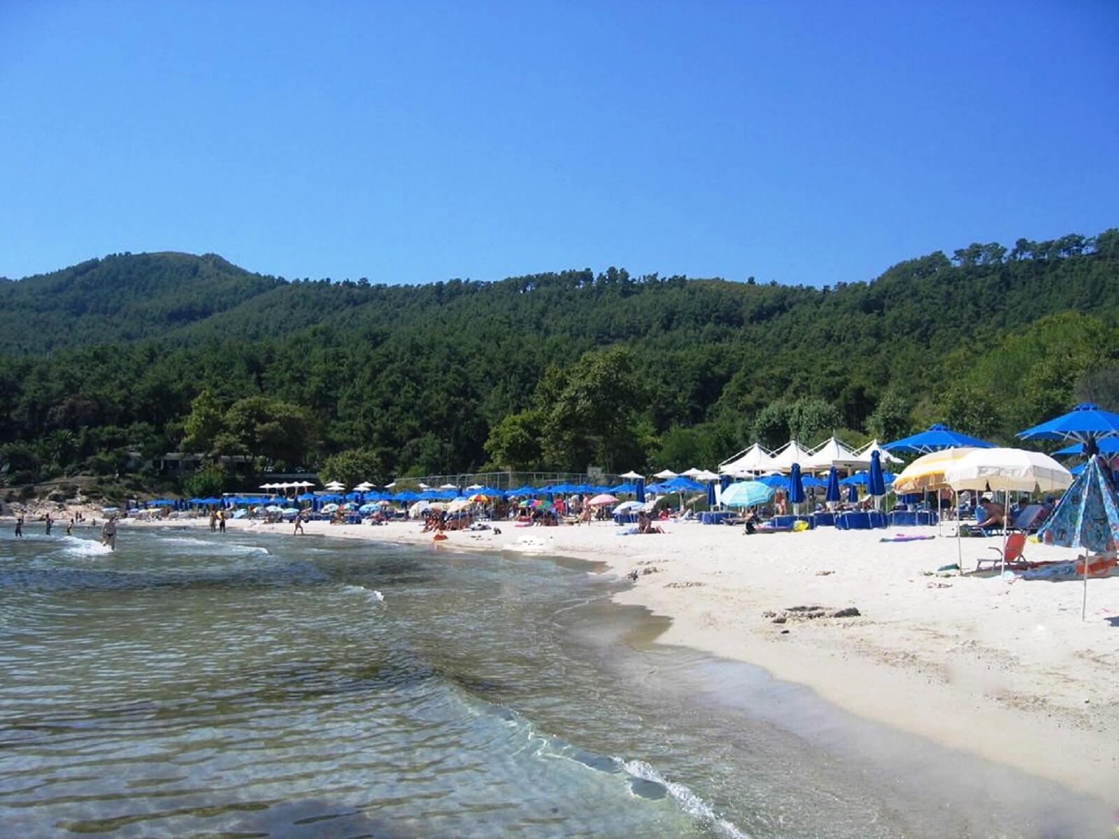 Пляж Макримос
