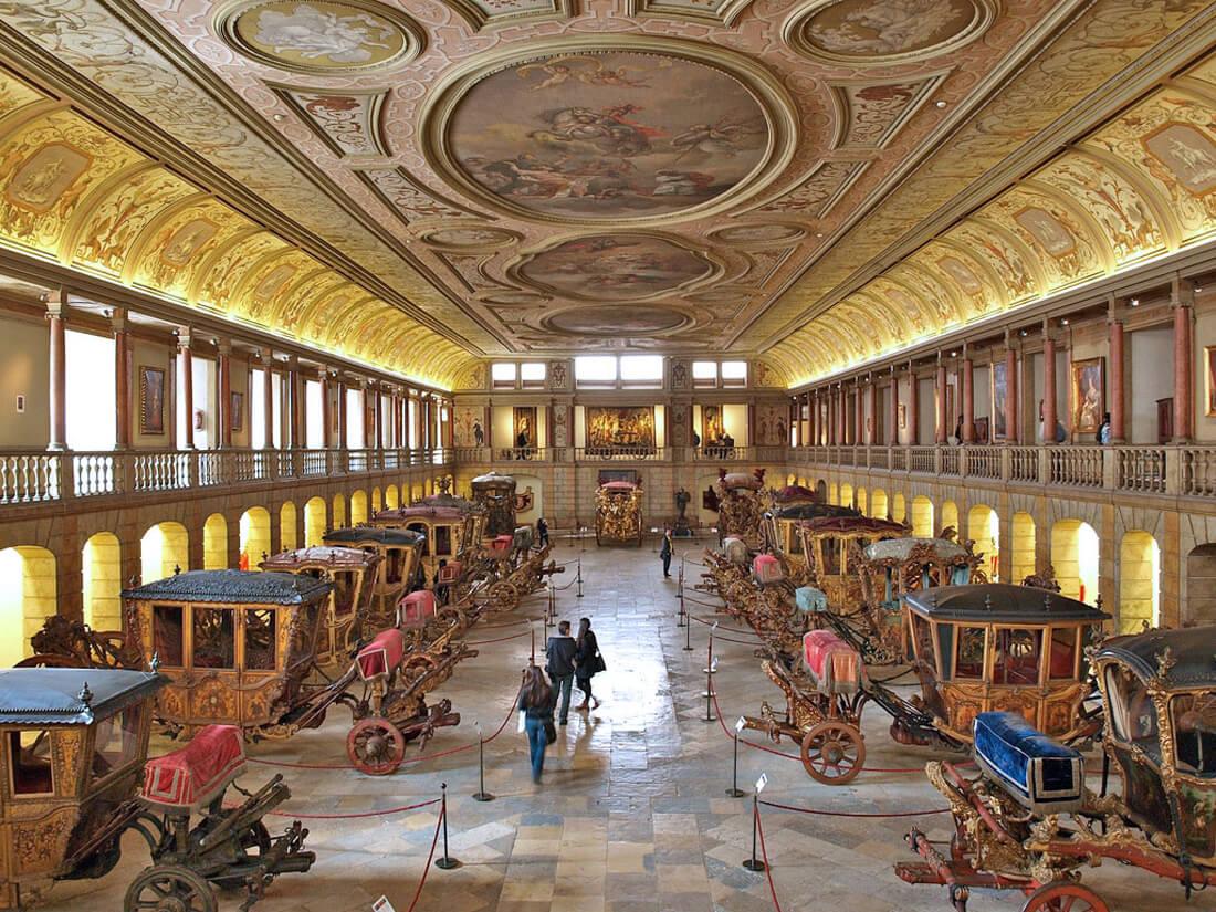 В музее карет в Лиссабоне