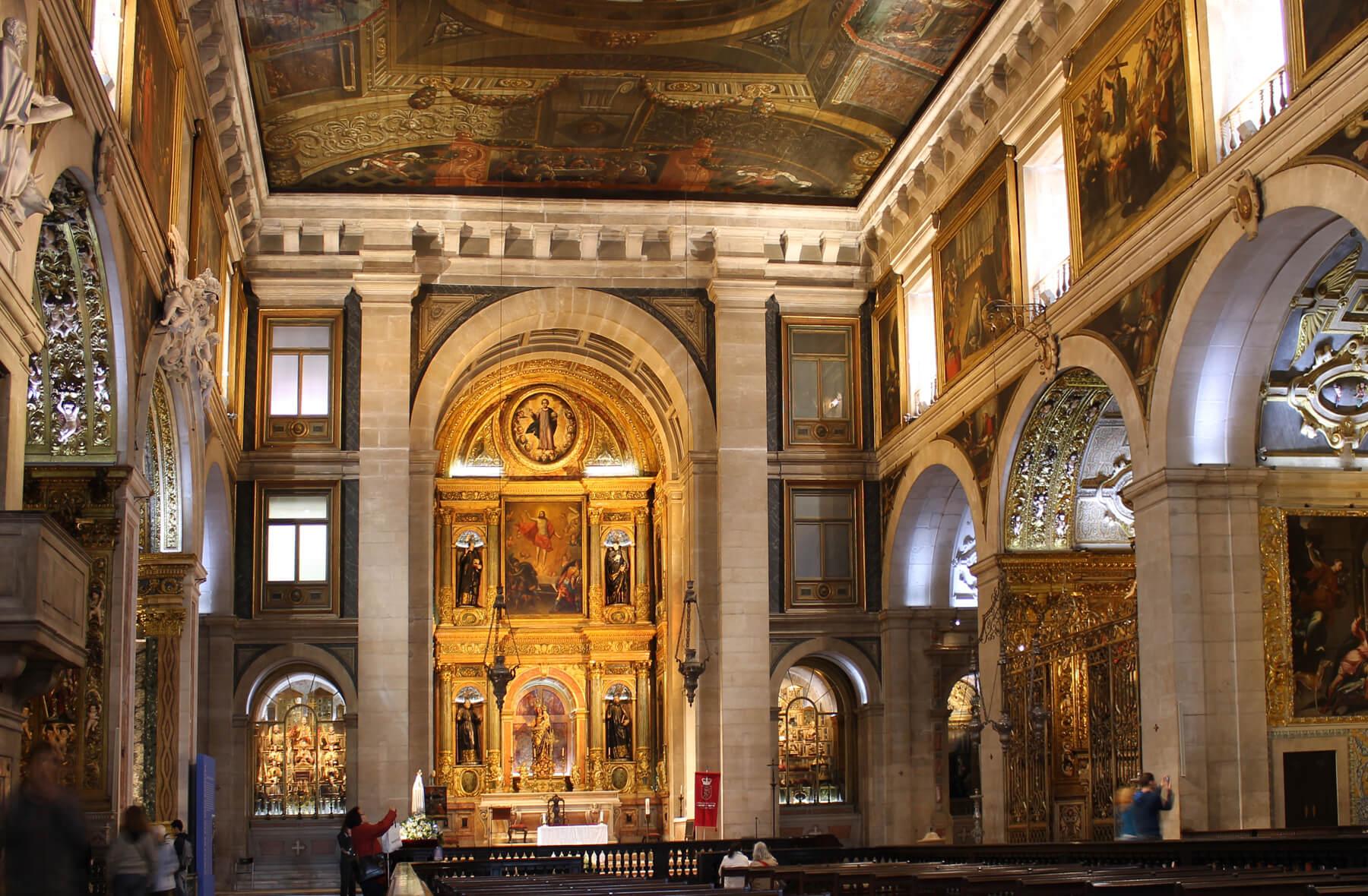 Интерьер церкви Святого Роха
