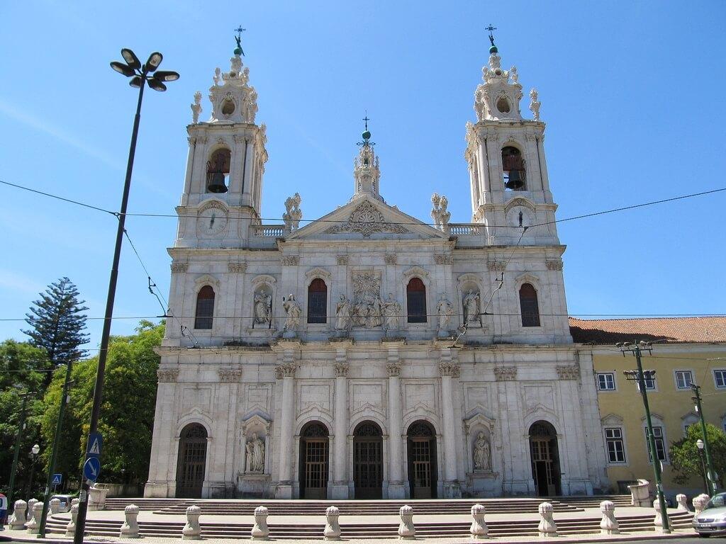Базилика-да-Эштрела (Basílica da Estrela)