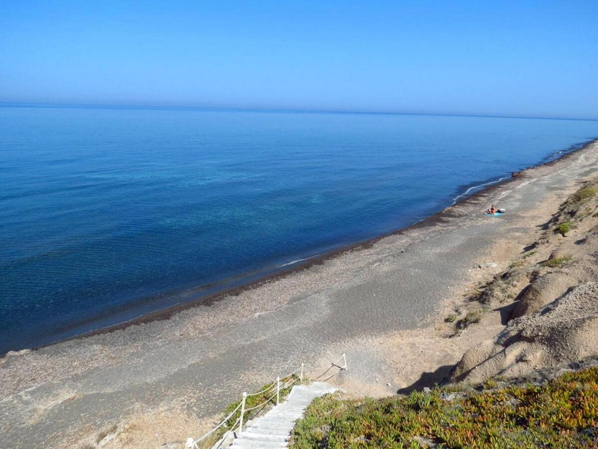 Пляж Paradisos Beach