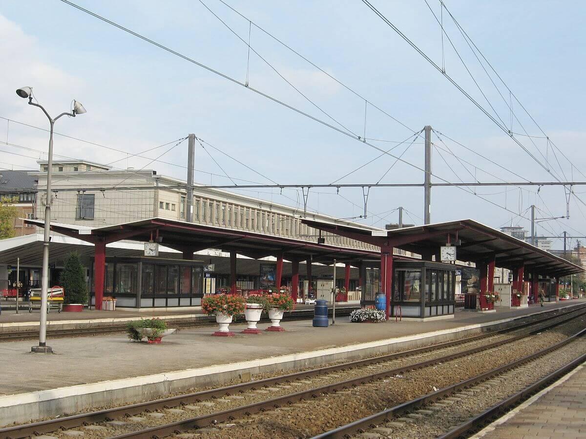 Прибыли на ЖД вокзал в Хасселт