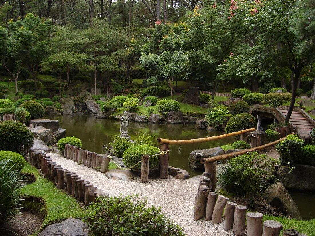 Японский сад подарен Бельгийскому городу японским городом побратимом Итами