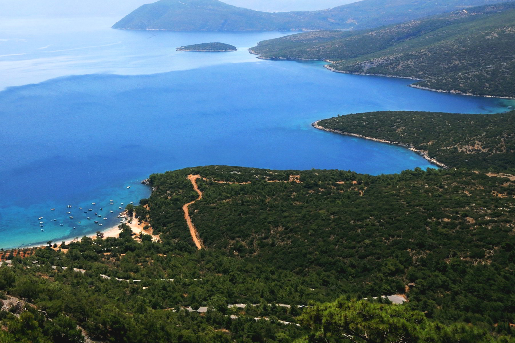 Вид сверху на остров Самос