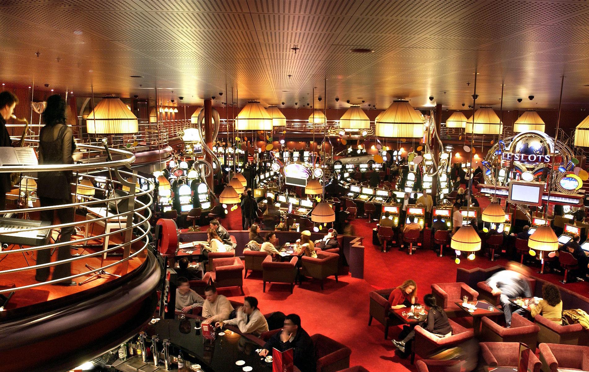 В казино Casino de Montreux