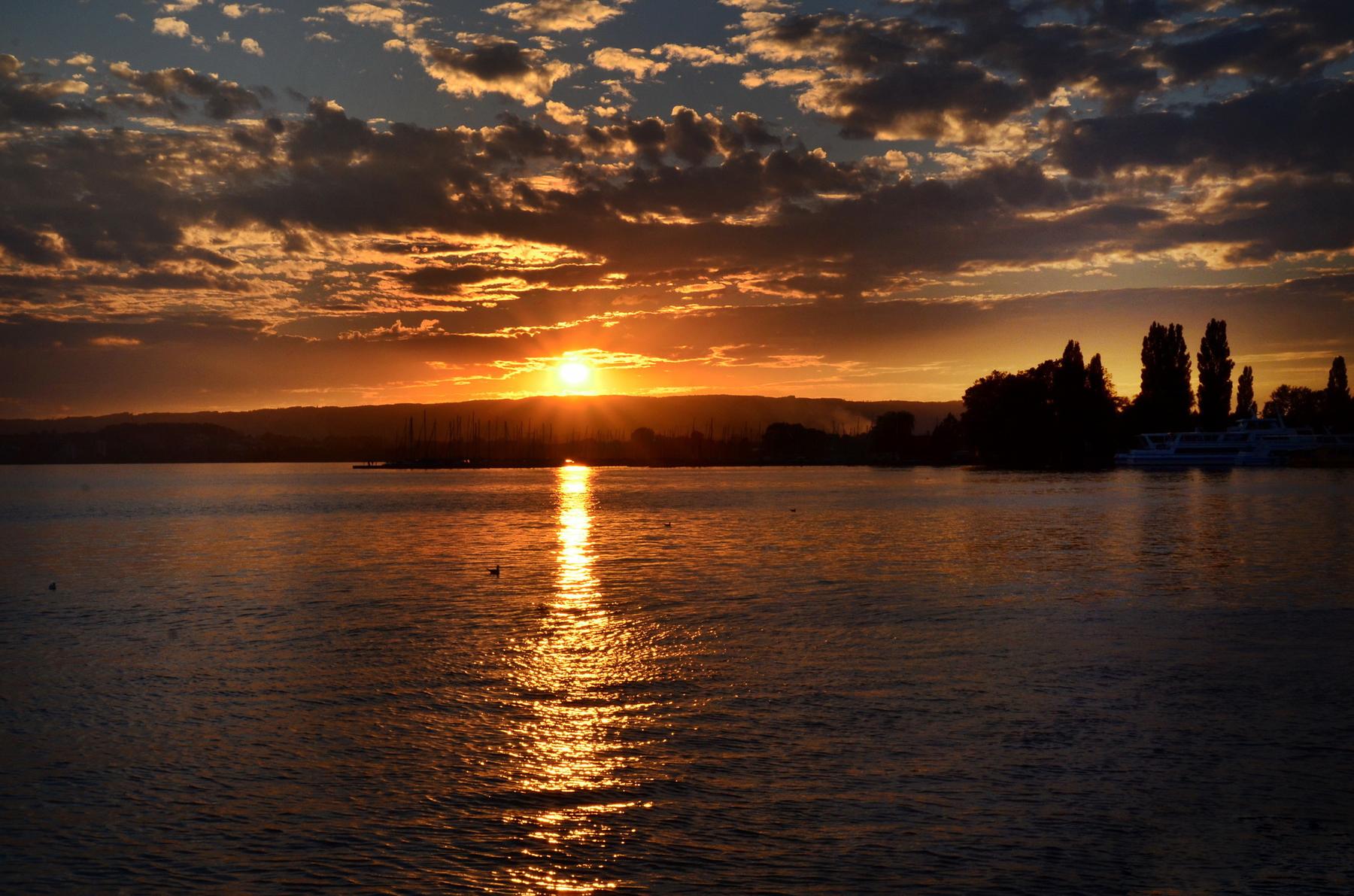 Закат на Цугском озере